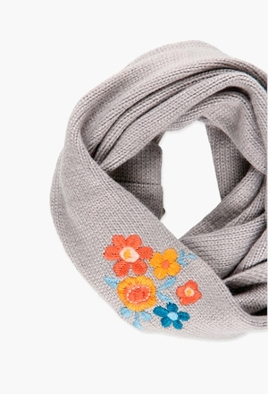 Knitwear scarf for girl_1