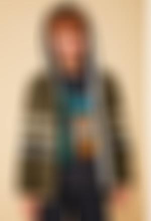 Chaqueta tricotosa con capucha de niño
